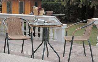 天津户外家具玻璃家具的特点